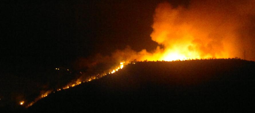 Incendio sul Saretto causato dai fuochi d'artificio, il sindaco emette il divieto