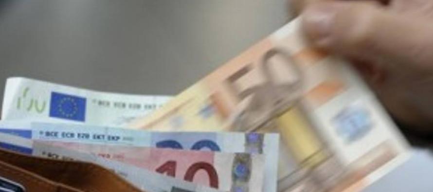 Anziano tenta di adescare un 14enne offrendo soldi all'uscita di scuola