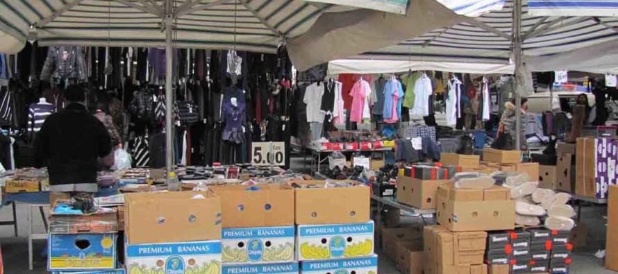 Blitz dei vigili al mercato ancora ambulanti evasori