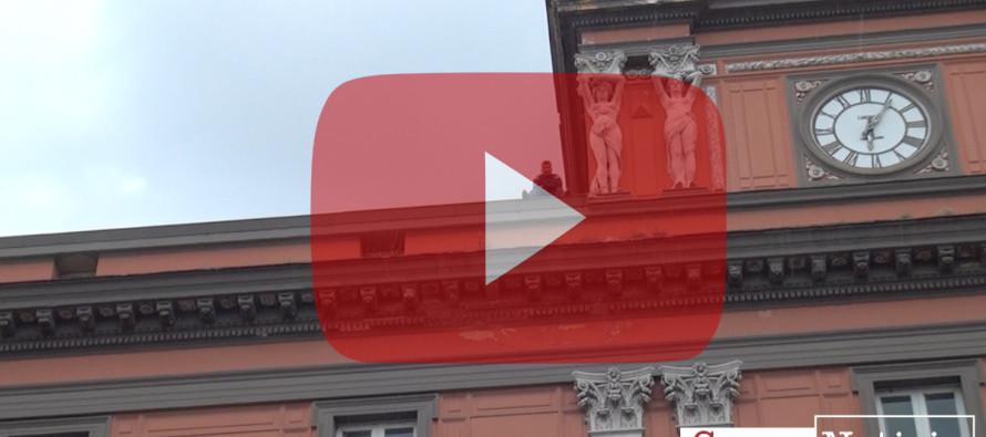 VIDEO | Dramma disoccupazione: protesta estrema