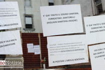 Via Pedagnali dimenticata nel giorno del ricordo: manifesti di protesta al Villa Malta