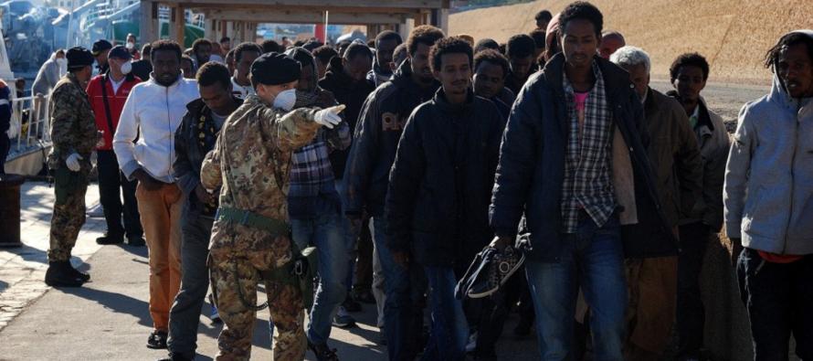Mille immigrati in arrivo al Porto ci sono donne e bambini