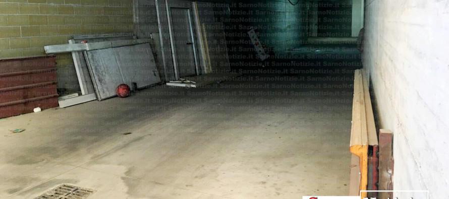 Stuprata da cinque minorenni. Il garage dell'orrore è a pochi passi dalla chiesa