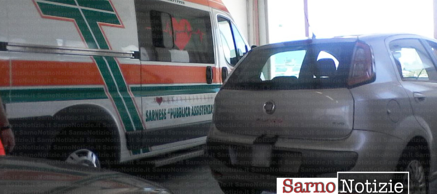 Parcheggia e blocca il pronto soccorso ed il trasporto sangue. Arriva la polizia