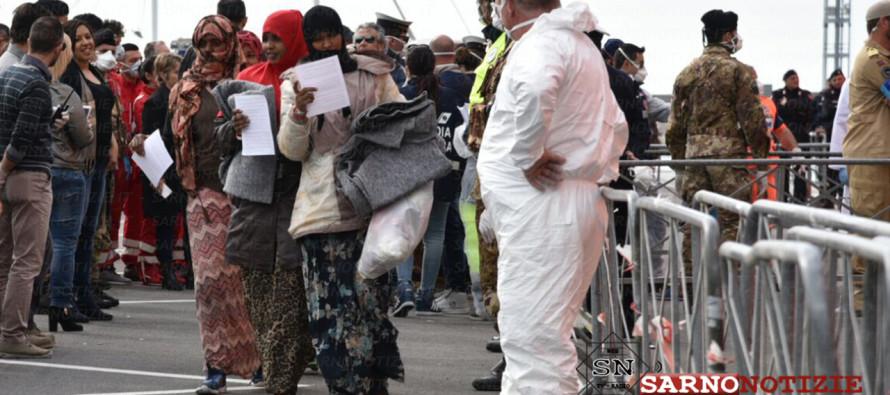 Nuovo sbarco di migranti a Salerno.  A bordo anche un uomo deceduto nella traversata