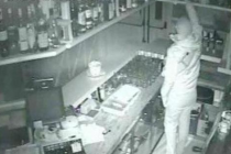 Furti nei bar, ladri incastrati dalle telecamere accanto al Bar Mamino