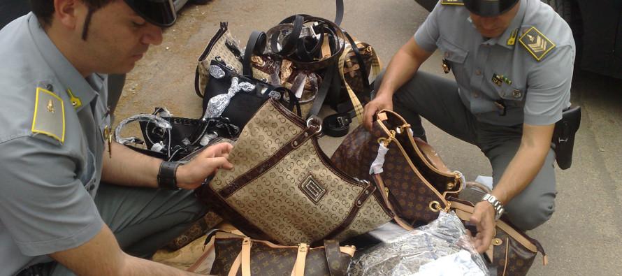 Ottaviano, sequestrati oltre 400'000 prodotti contraffatti