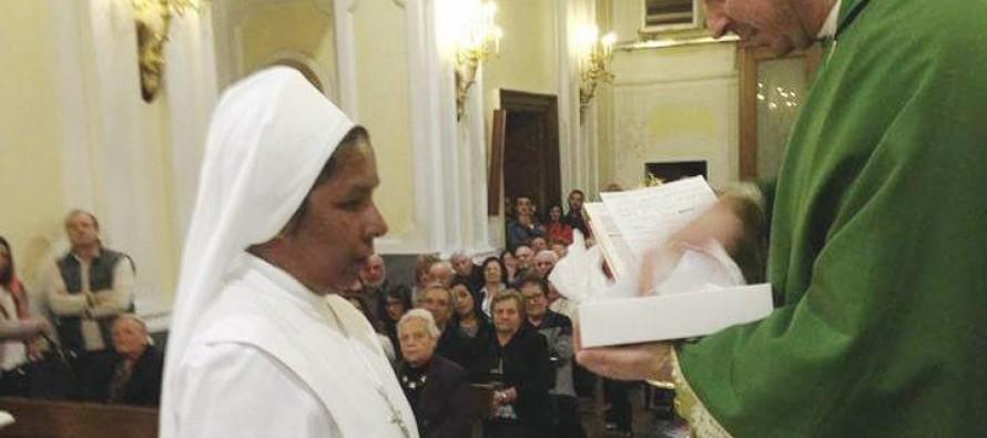 Suor Lucy torna nella sua India. Ieri il saluto della parrocchia di San Teodoro