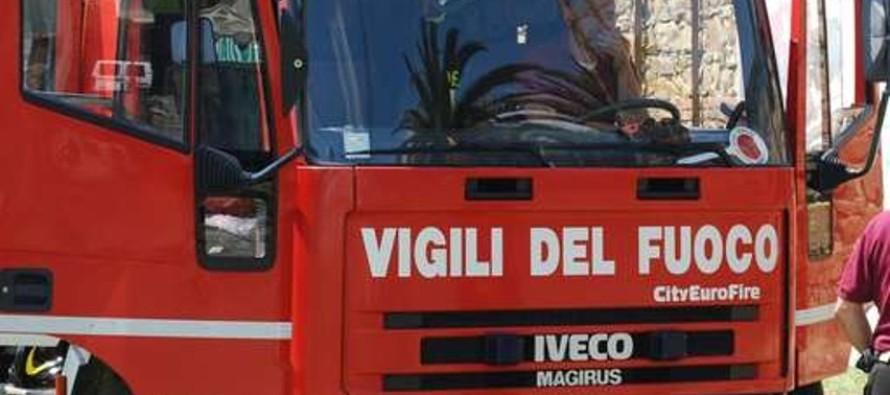 Esplosione in fabbrica, fiamme e feriti in via Fiorentini