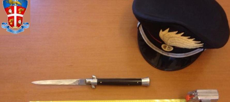 Extracomunitario minaccia due donne con un coltello. Arrestato