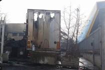 Tir, carichi di merce, in fiamme  nell'area Pip