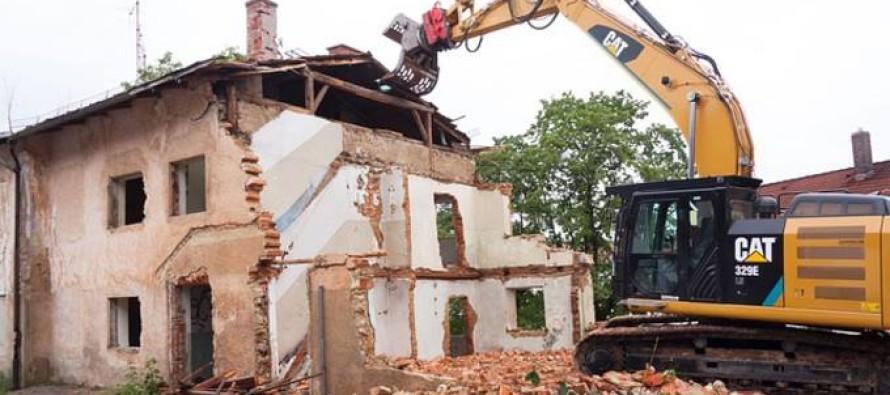 Abusi edilizi: abbattimento o riutilizzo? Decide il consiglio
