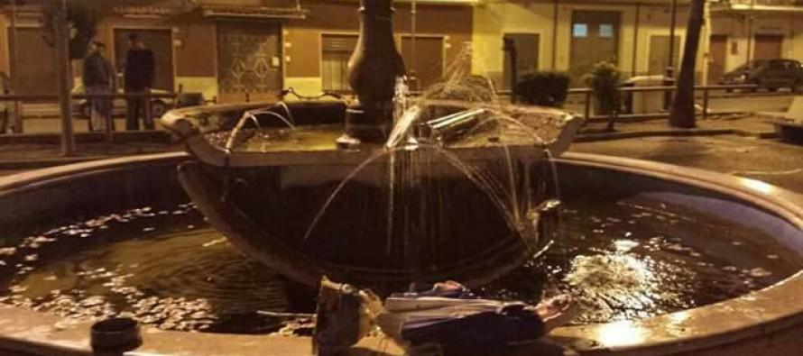 "Distrutta fontana. Mentre si cercano i vandali, la scoperta: ""Poteva essere una tragedia"""
