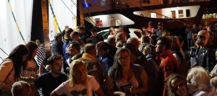 """Sarnesi a Ischia: """"Vogliamo ritornare, al porto è il caos"""""""