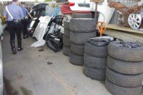 Tir carico di pezzi di auto rubate. Tre denunciati