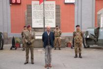 Roberto Robustelli, salvato dall'Esercito durante la frana a Sarno, all'alzabandiera delle Forze Operative Sud