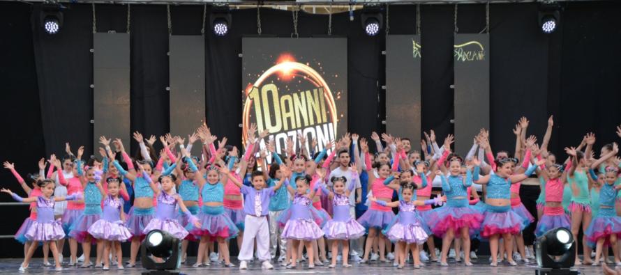 Paso Adelante: 10 anni di emozioni! Grande show in piazza