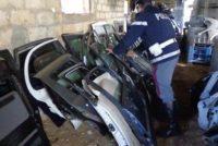 Auto rubate e riciclate, due in manette