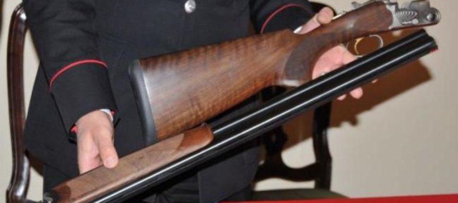 Fucili e pistole in casa: 46enne di Sarno nei guai