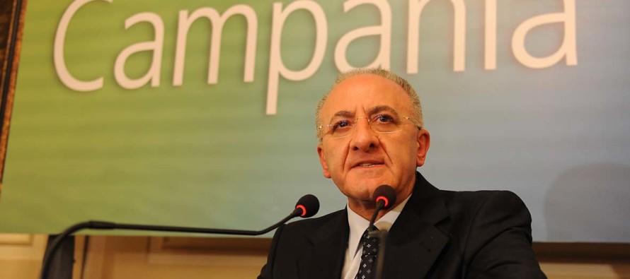 """Campania, De Luca indagato: """"Io sono parte lesa, non so chi sia questo Manna"""""""