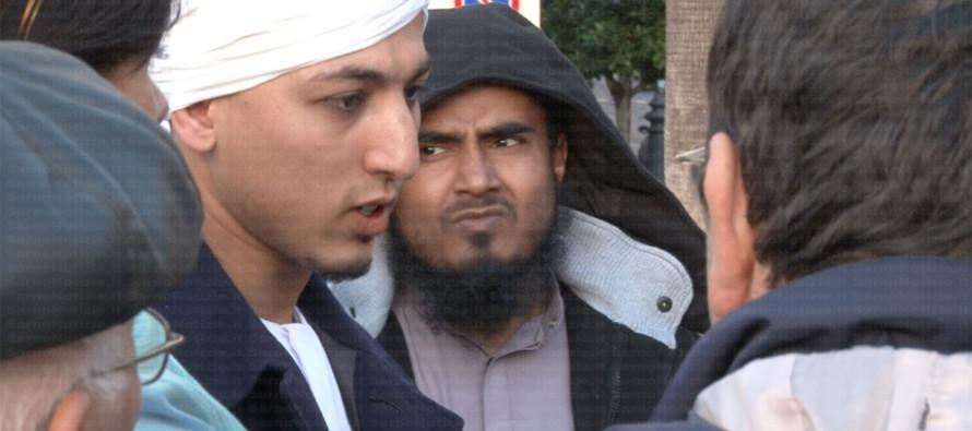 """Imam in cella. Incastrato dai suoi familiari: """"Ha un fucile nascosto"""""""