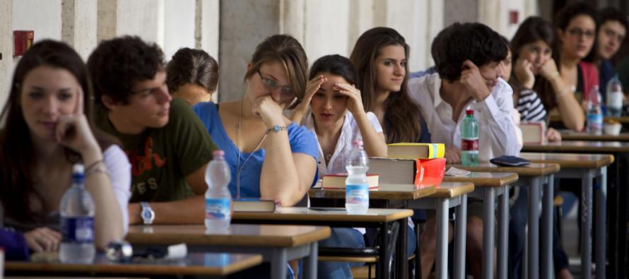 Maturità prima prova: Umberto Eco, donne al voto, rapporto padre/figlio…