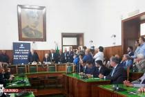 """De Luca a Sarno attacca Di Maio: """"Regione bancomat? Solo lavoro e grandi opere"""""""
