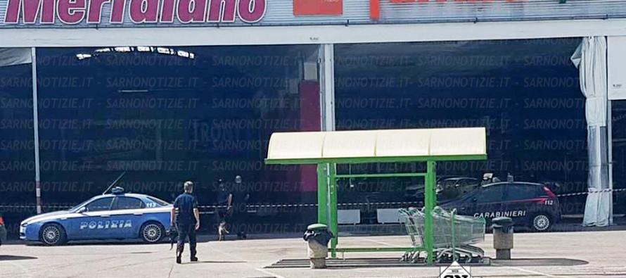 LE FOTO – Allarme bomba al Centro Meridiano