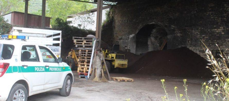 Fornace fuorilegge a Sarno: smaltimento illecito di rifiuti ed emissioni di fumi nell'aria