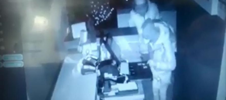 Furto al megastore cinese. Ladri ripresi dalle telecamere
