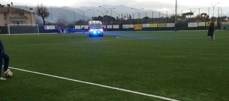 Ex calciatore muore durante partita