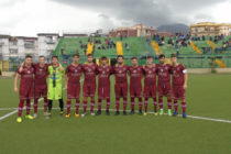 La Sarnese si arrende alla capolista per 3-0