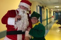 """""""Babbo Natale in corsia"""": ragazzi disabili portano doni ai bimbi in pediatria"""