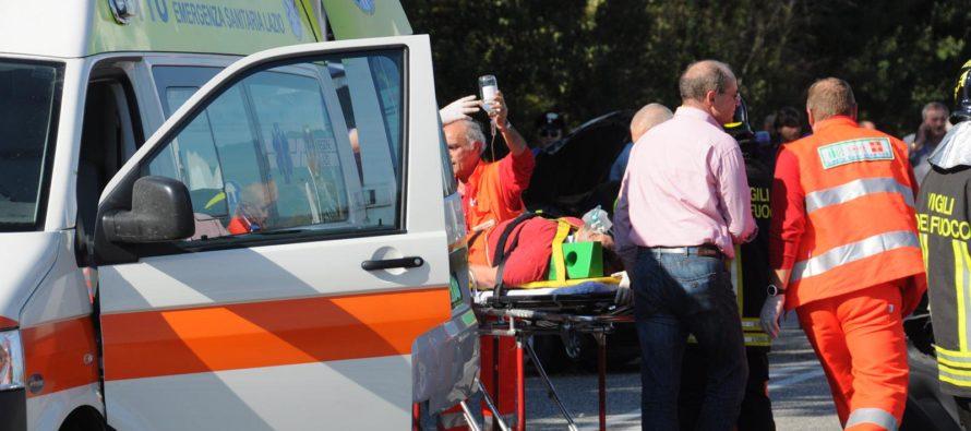 Giù dalla finestra, 14enne muore sul colpo. Indagano i carabinieri
