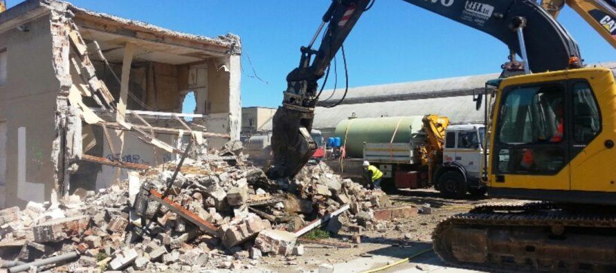 Fabbricati illegali da demolire, suoli salvi se provvede l'abusivo