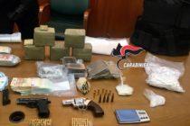 Armi, soldi e droga: arresti e sequestri. Confiscati 500 mila euro