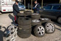 Gommista vendeva pneumatici rubati. Denunciato il titolare