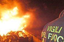 Discarica abusiva: rifiuti in fiamme tra Sarno e Nocera Inf.