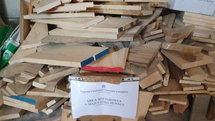 Panificio usava legna verniciata per forno. Scattano i sigilli a Scafati