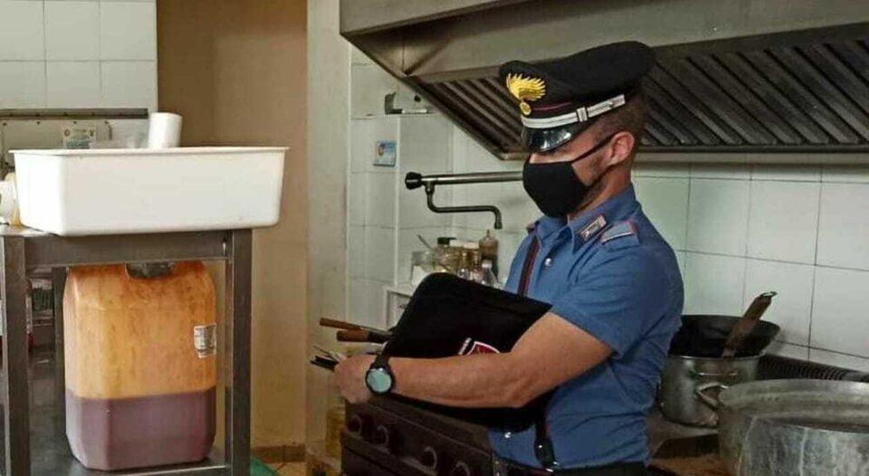 Controlli dei carabinieri a Palma Campania: sequestrati 20 chili di prodotti ittici avariati